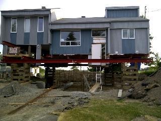 Levage de maison à paliers multiples.