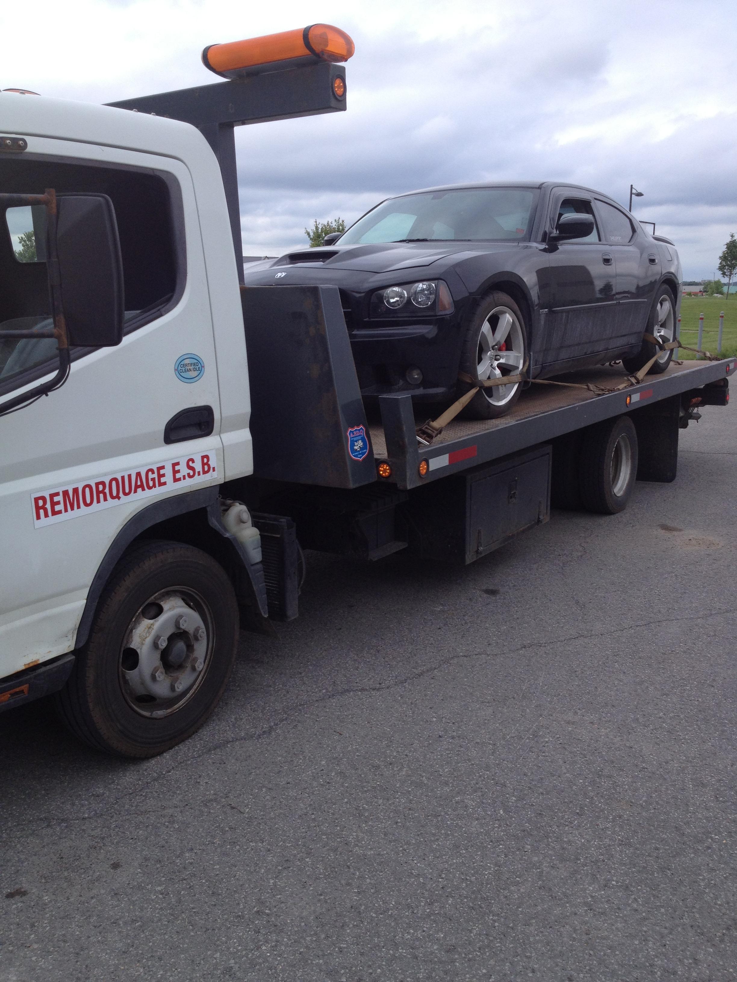 Remorquage ESB - Remorquage de véhicules - 450-438-8946