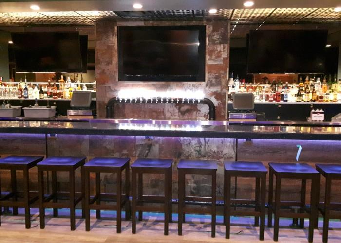 commercial hotel blues on whyte pub edmonton ab 10329. Black Bedroom Furniture Sets. Home Design Ideas