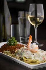 Spaghettinis sauce à la viande et pappardelles sauce aux fruits de mer