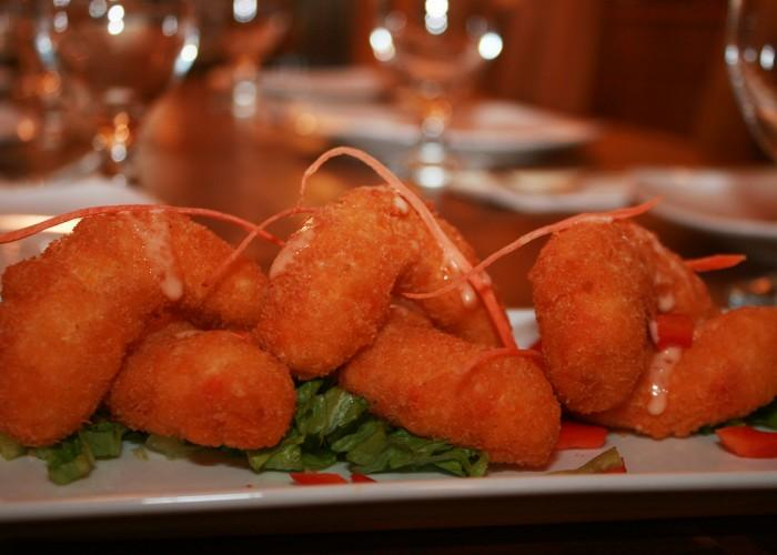 Padmanadi vegetarian restaurant edmonton ab 10740 101 for Aroma fine indian cuisine king street west toronto on