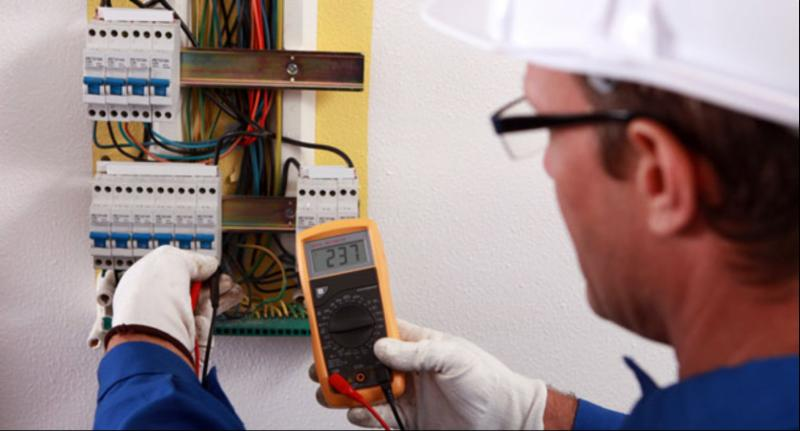 how to become an electrical contractor in alberta