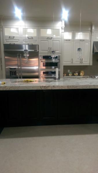 Select kitchen cabinets ltd 205 8625 130 st surrey bc for Kitchen cabinets surrey