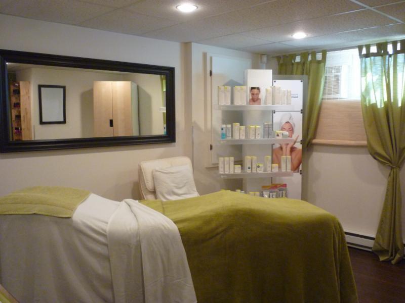 esth tique pure vitalit horaire d 39 ouverture 3549 rue de calvi laval qc. Black Bedroom Furniture Sets. Home Design Ideas