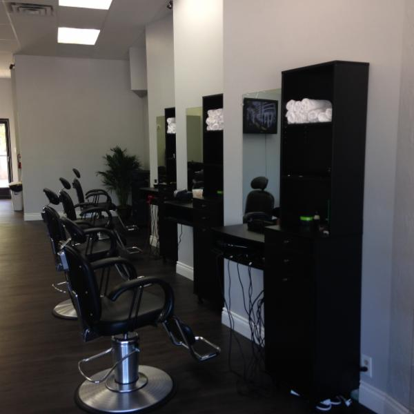 Cut n style hair salon barber shop horaire d 39 ouverture for Horaire bus salon aix