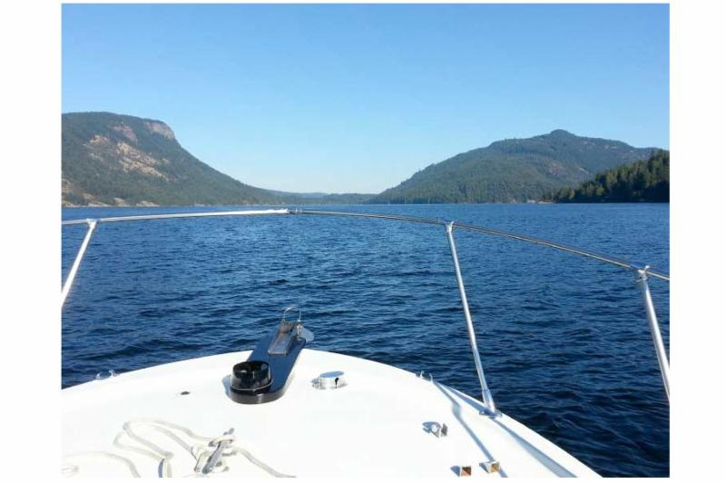 Hudson bay charters and marine service ltd duncan bc for Hudson bay fishing