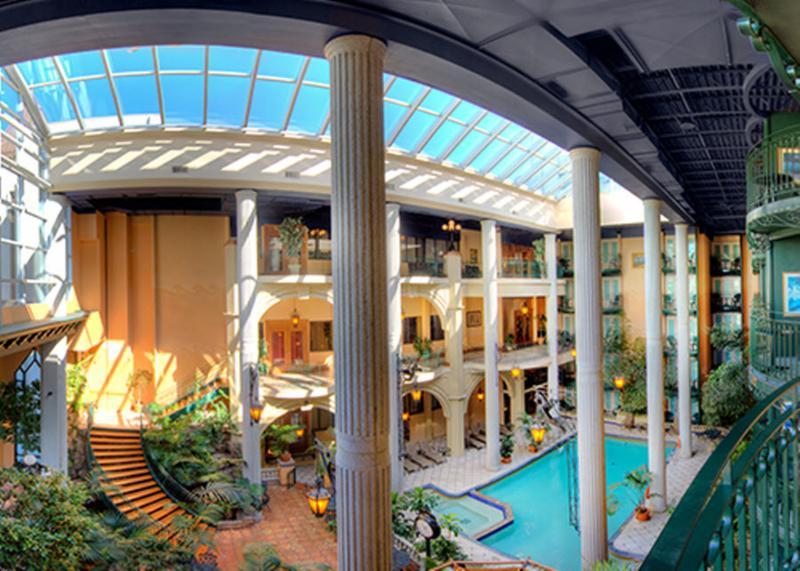 H tel plaza qu bec horaire d 39 ouverture 3031 boul for Hotel lyon avec piscine