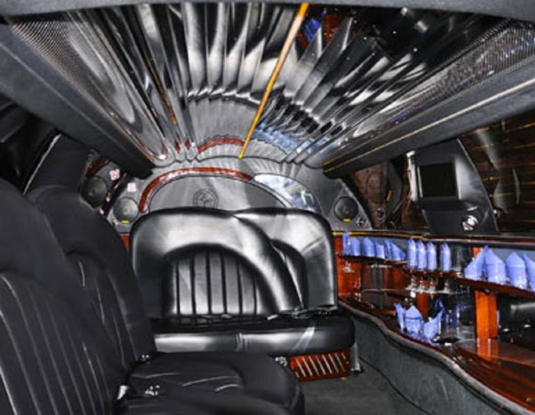 Photo dinterieur de limousine id e for Decorateur interieur montreal
