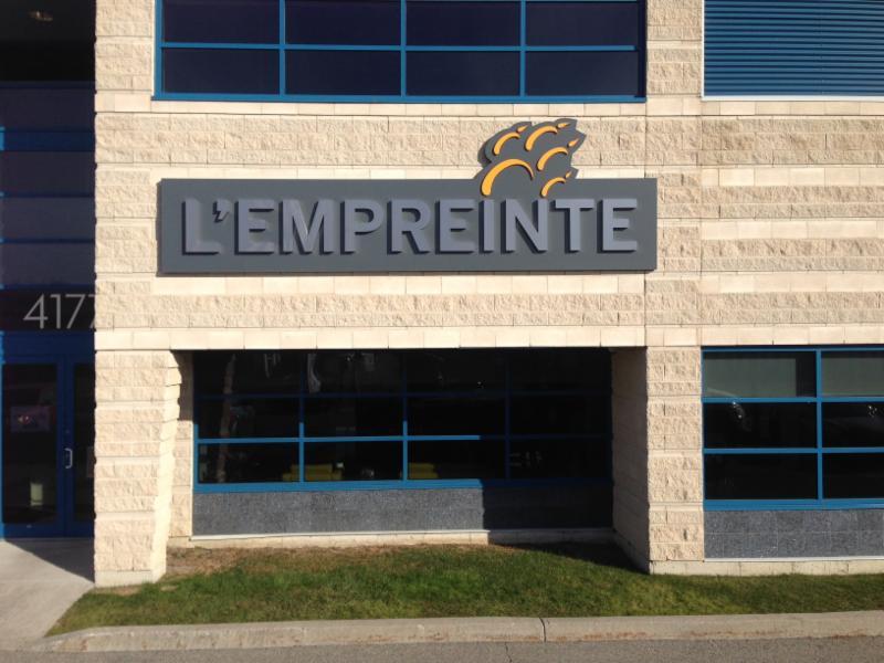 Zone enseignes horaire d 39 ouverture 361 rue legault - Horaire piscine blainville ...