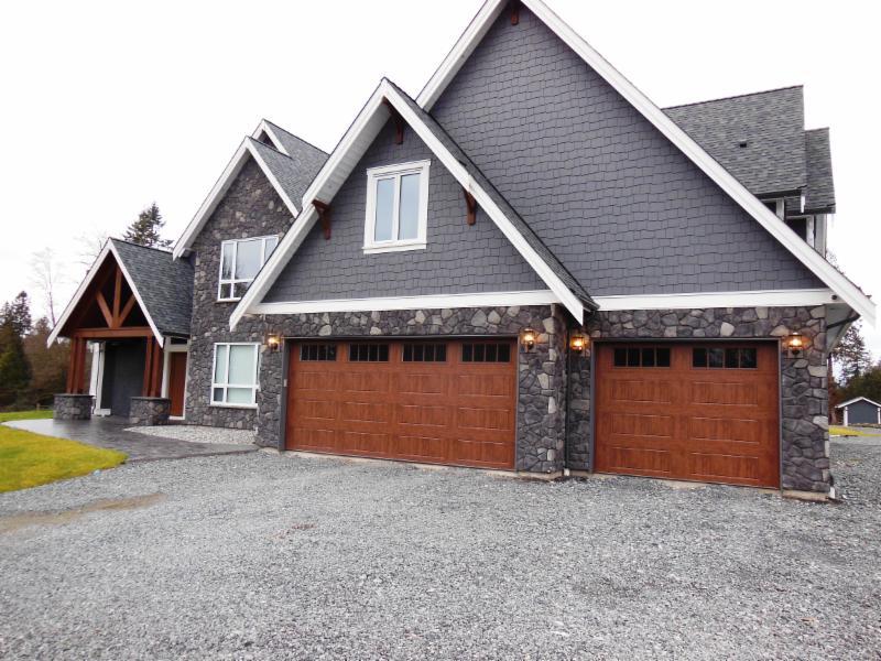 photo Coast and Country Custom Homes