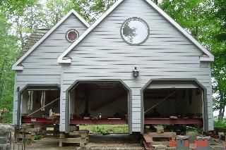 Levage de garage pour réfection de fondation.