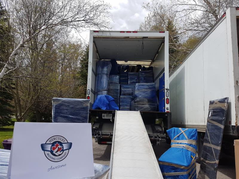 Toronto movers, excellent truck loading, professional moving service, best Toronto movers, packing a moving truck, Toronto moving companies, packing service, furniture moving,, moving companies, best movers Toronto, long distance movers, best movers